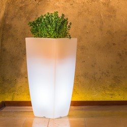 MONACIS VASO STILO SQUARE TOP CM 40 X 40 X H 90 WHITE LIGHT LED
