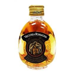 Multipack da 80 Bottiglie di Vecchia Romagna Etichetta Nera Mignon da 3 cl Ciascuna